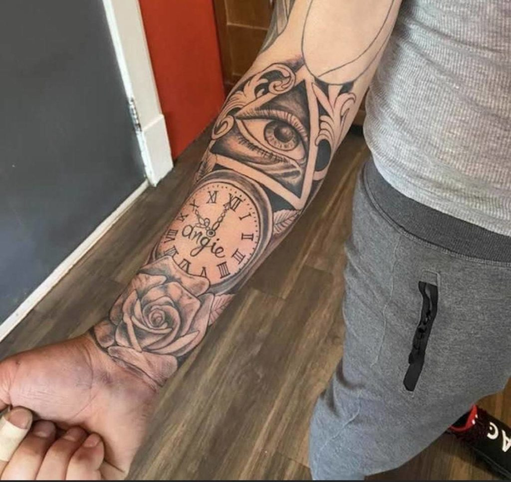 Leaves with Ink's Tattoo Design